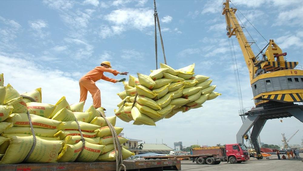 Xuất nhập khẩu quý I-2018: Vượt 100 tỷ USD - Mừng và lo